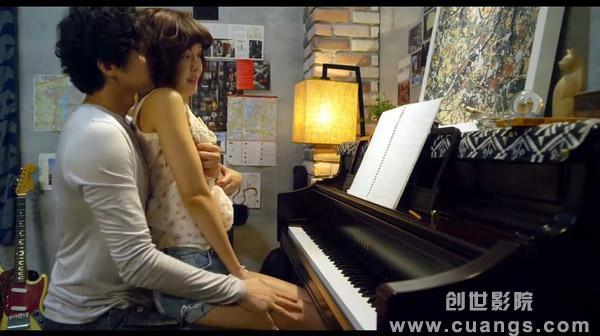 华丽的外出弹钢琴